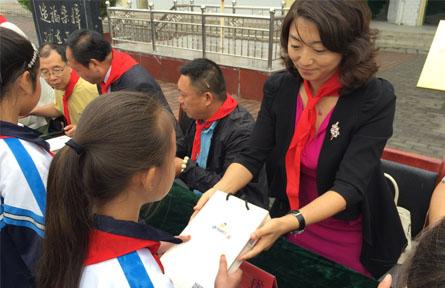 义乌企业家为马栏齐心九年制寄宿学校献爱心