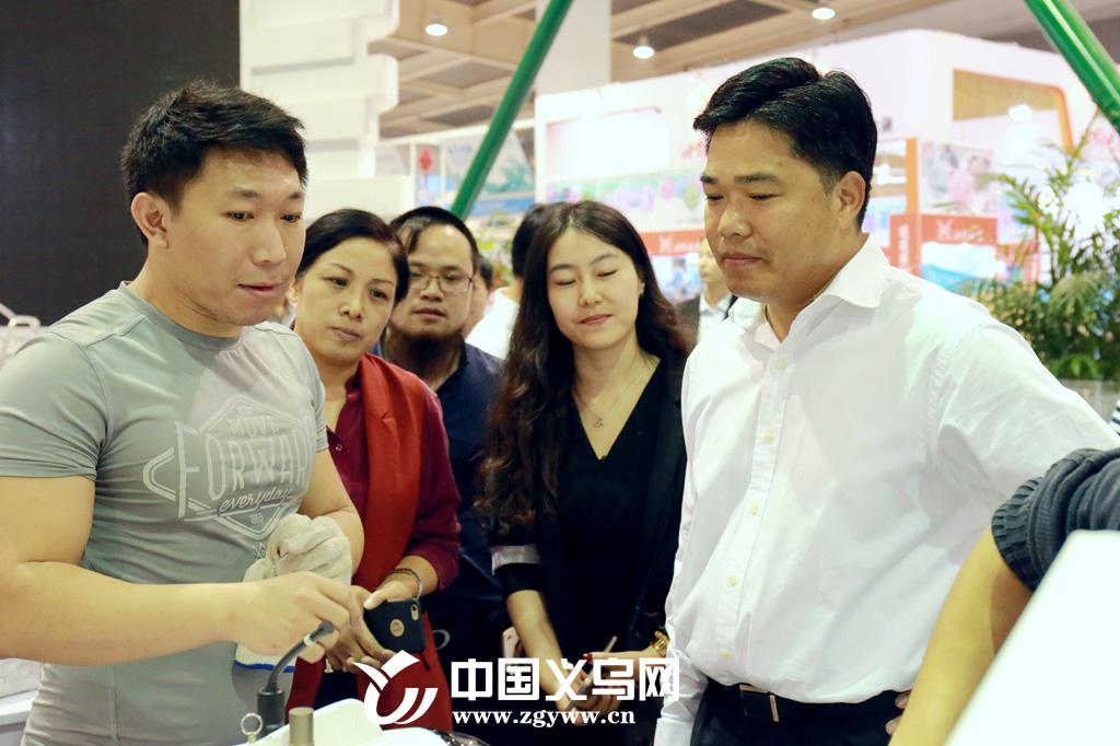 义乌市领导检查义博会布展工作