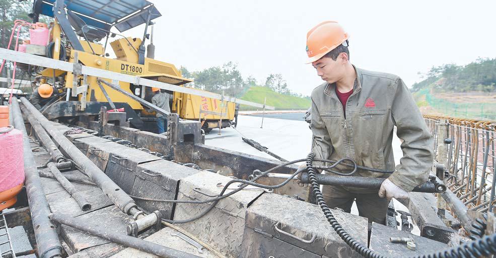 疏港高速建设进入冲刺阶段