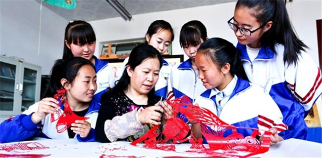 甘肃山丹:民间工艺进校园