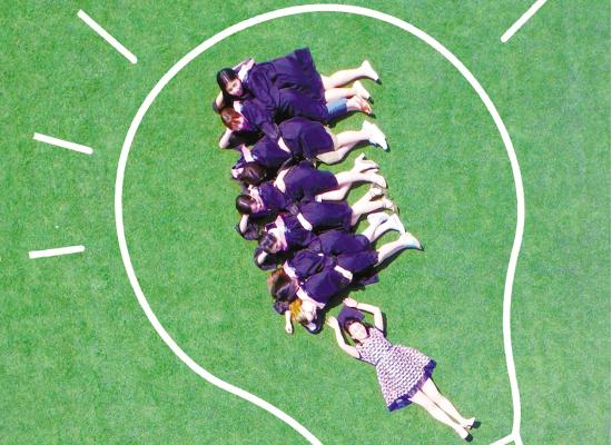 义乌高校学子拍摄创意毕业照