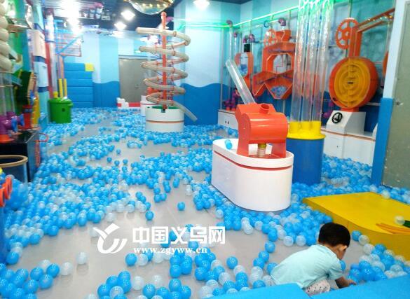义乌三岁孩童在商场游乐区意外受伤 谁之过?