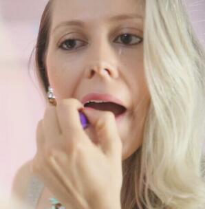 外国人在义乌 Julian:来自巴西的百变时尚女王