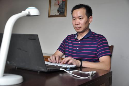 医生王成刚:完成12部网络小说的网络作家