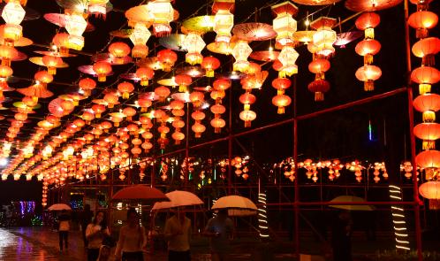 义乌:万盏花灯扮靓乡村