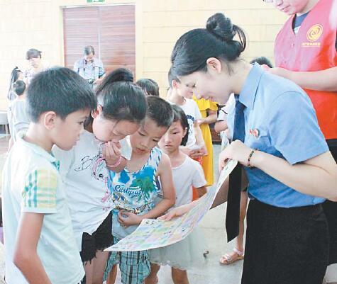"""""""一心""""志愿者团队:用情与法照亮未成年人的成长路"""