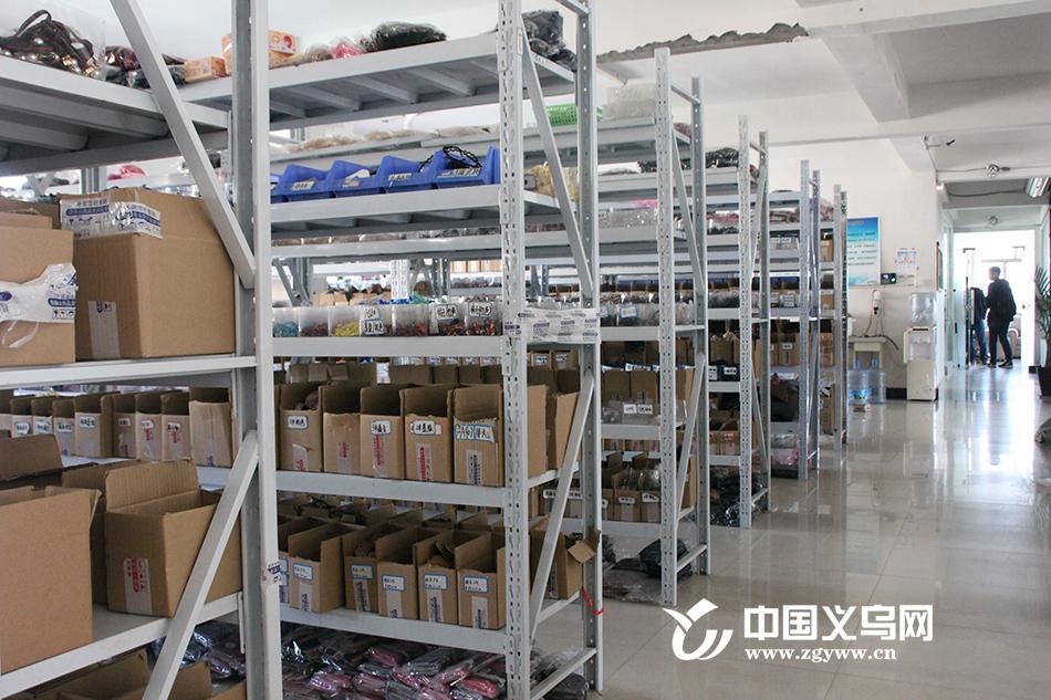 """义乌高桥村:打造跨境电商的""""雄鹰""""孵化基地"""