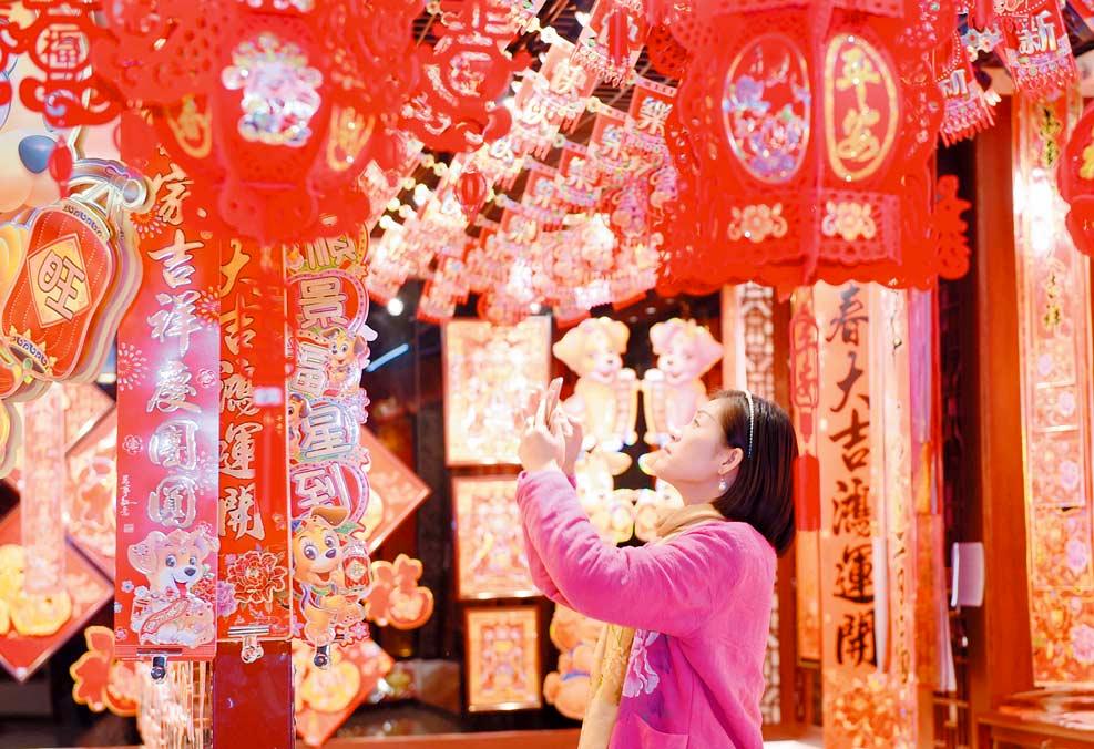 义乌:春联年画生意红火