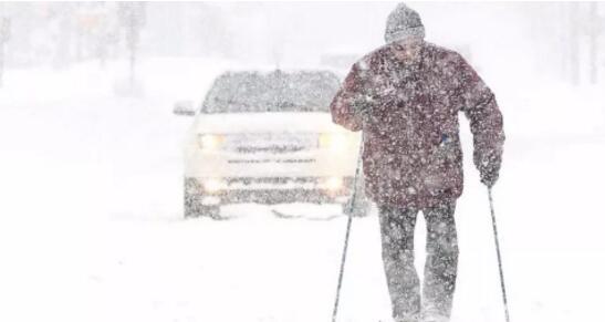 打破百年低温纪录 北美人民在暴风雪里快扛不住了!