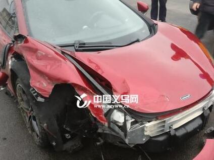 义乌男子驾300余万跑车去金华上牌 刚上高速便损失近百万