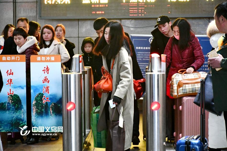 义乌:春节假期收尾 元宵节或将迎返程高峰