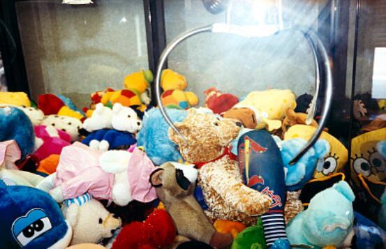 学抖音撬开娃娃机 结果被刑拘