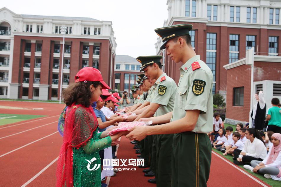 义乌消防暑期第一课开课啦!百余名外籍学生争当消防志愿者