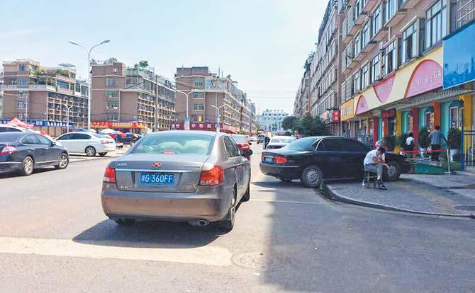 今日观察 | 义乌北苑春晗二区随意停车隐患多