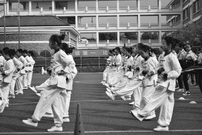 义乌青口小学举办武术操比赛活动
