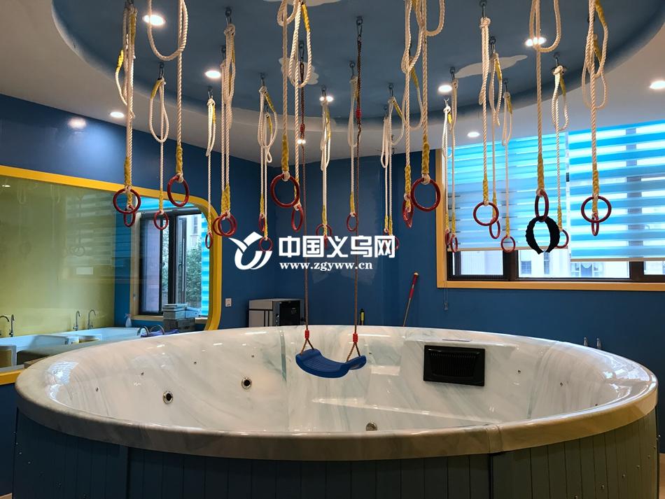 义乌一儿童游泳馆突然关门转让 200余名充值会员何去何从?