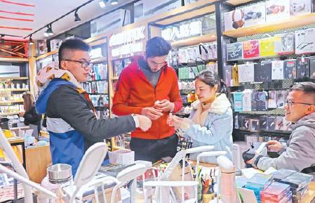 义乌:电子产品热销