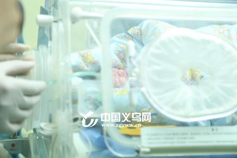 义乌18岁孕妇因车祸昏迷 奇迹产下不足4斤的健康女婴