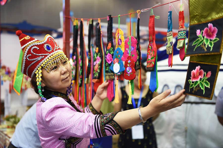 【新华社】第八届中国国际旅游商品博览会在义乌开幕