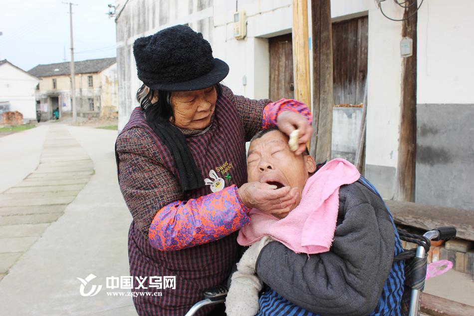 【十八力】义乌八旬老人照顾病儿50余年 这就是一个母亲的刚强