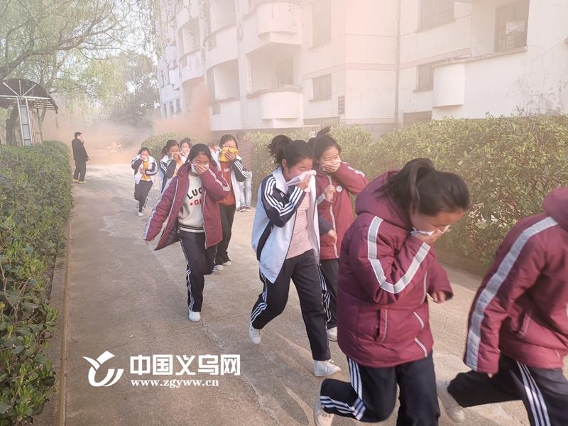 文明祭祖 安全先行 义乌清明节前防火安全宣传进校园