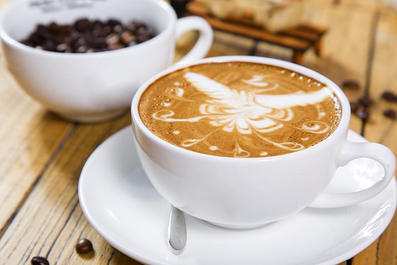 咖啡致癌、草莓是最脏水果……食品谣言如何忽悠公众