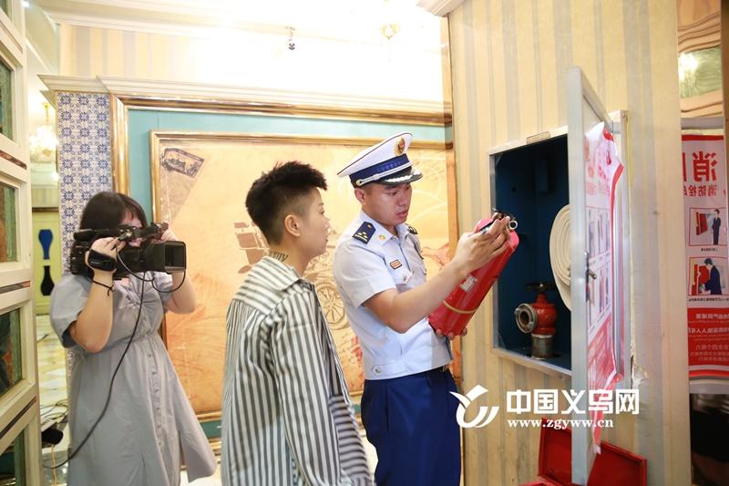 """义乌消防检查""""回访"""" 两家公共娱乐场所存隐患"""