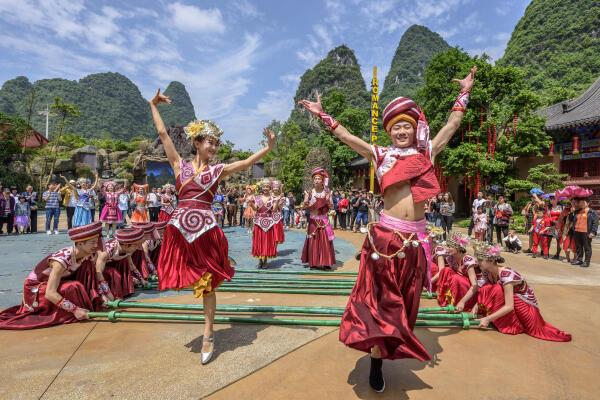 游客超360万人次!桂林千古情景区成游客热门打卡点