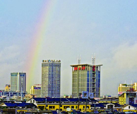 雨后 义乌出现美丽的彩虹