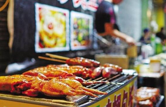夜经济的排行榜上,杭州想往前挤一挤