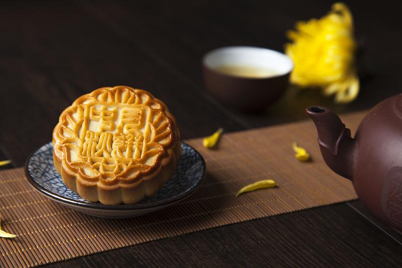喜茶月饼卖出三倍黄牛价 奶茶店抢占月饼市场
