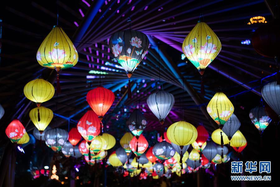 澳门举办国际花灯节