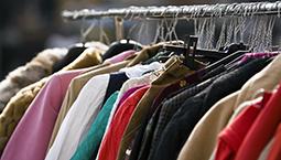 """""""卖""""衣服赚能量成潮流!旧衣服都去哪儿了?"""
