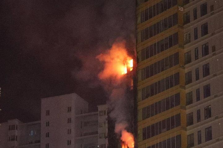 """""""楼上着火与我何干"""",消防通道被堵为何法治拿它没治?"""