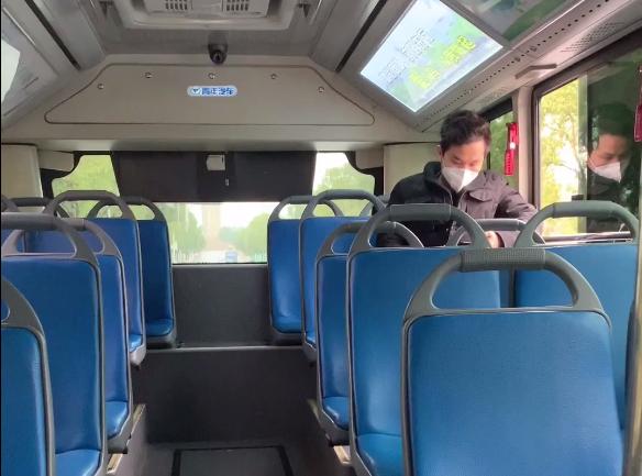记者探访|公交恢复运营首日 我们该如何安全乘车