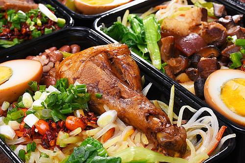 """改堂食为外卖 """"一人食盒""""破解复工用餐难题"""