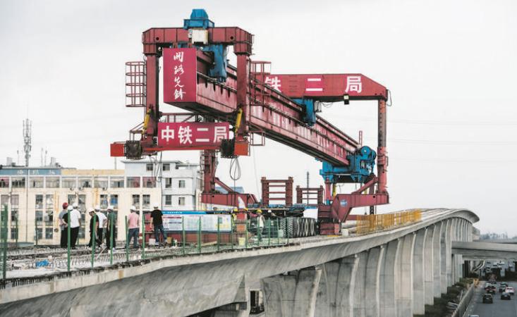 600吨架桥机通过义乌稠江站