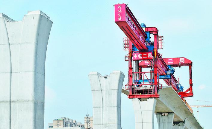 义乌:600吨架桥机为施工加速