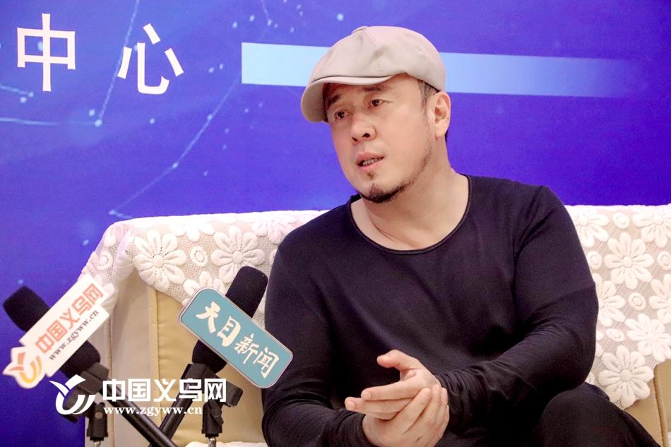 杨坤走进义博会:看看他选品的标准是什么?