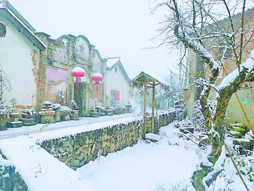 商城迎瑞雪