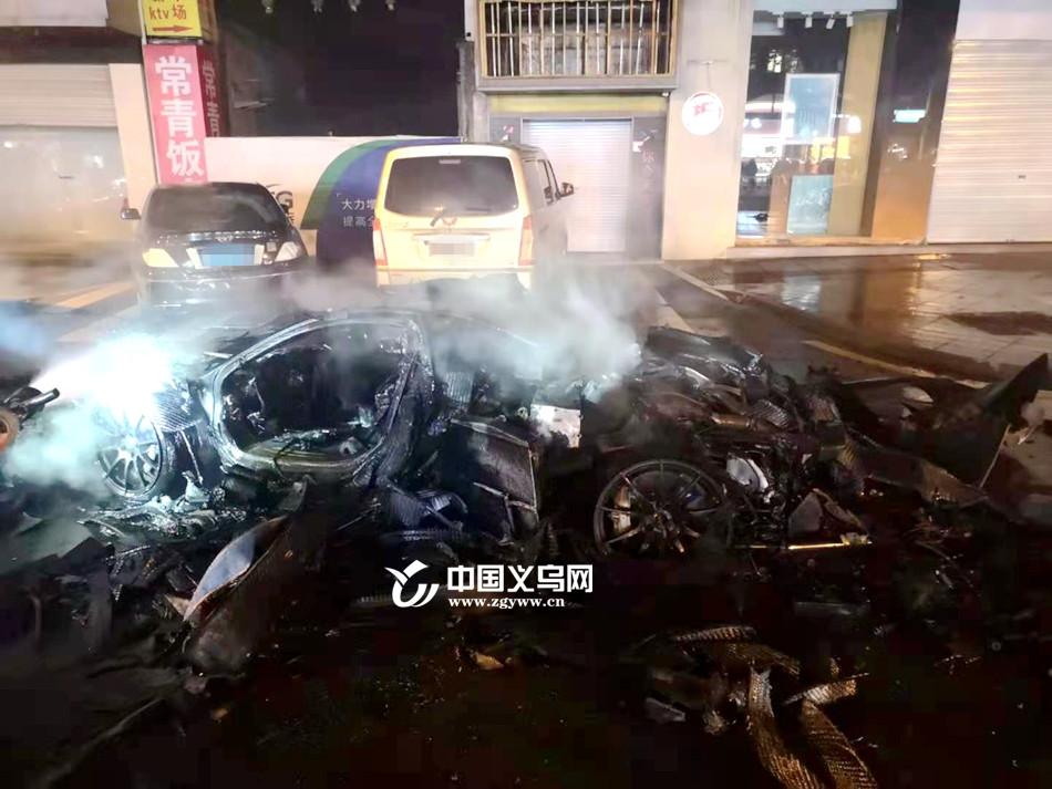 义乌千万豪车当街起火烧成空壳 司机弃车逃生手机都来不及拿
