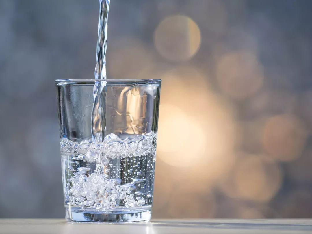 被传了很多年!隔夜水不能喝?会致癌?很多人还毫不知情……