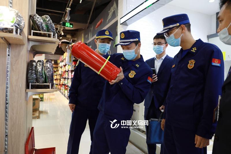 """义乌:""""四不两直""""突击夜查人员密集场所消防安全"""