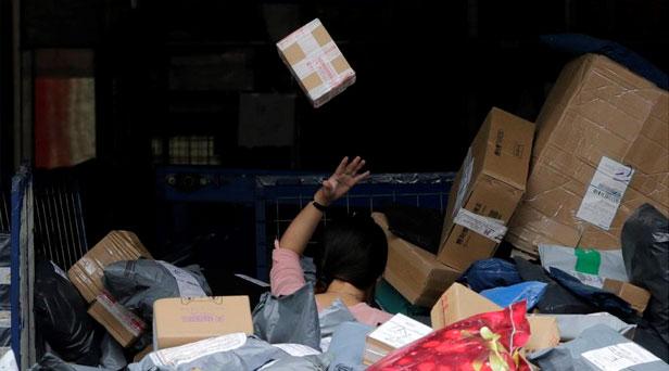 记者调查多地34个快递营业网点发现 暴力分拣突出 抛扔现象普遍